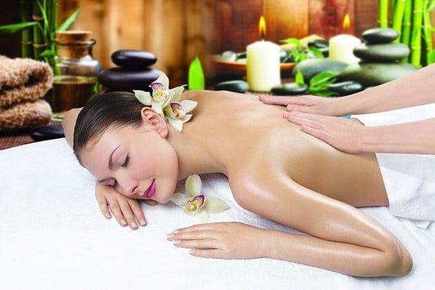 cong-dung-tinh-dau-masage-đoy